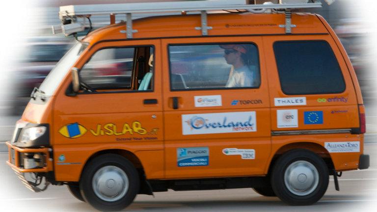 L'auto senza guidatore di VisLab, startup più innovativa del 2015